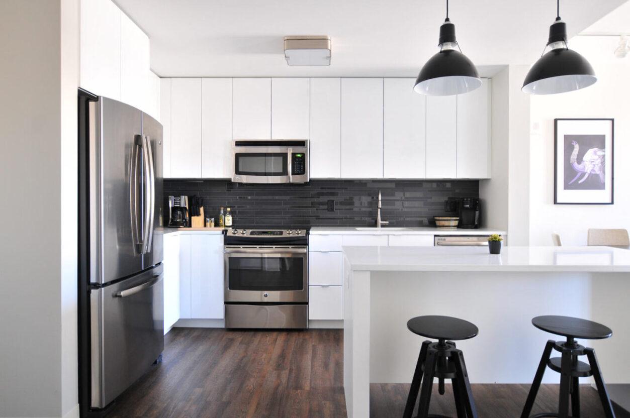 Almacenaje en cocinas: orden, espacio y diseño integrado ...